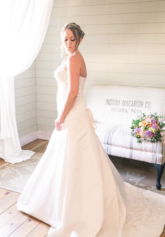 Gathered Oaks Barn Wedding | Tiffany & Nick | Alexandria ...